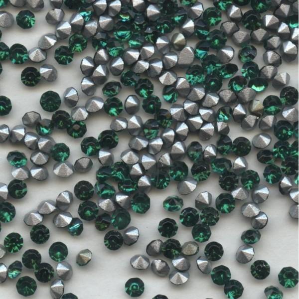 213 28 *** 60 strass anciens années 60 fond conique 2,8mm bleu mix vert