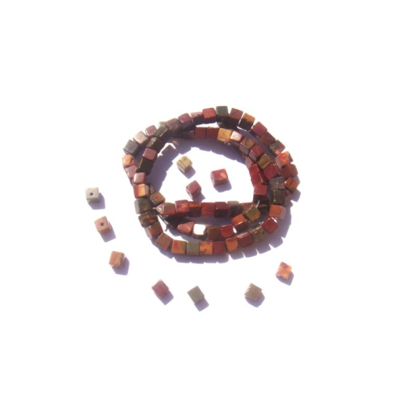 Jaspe Picasso : 15 Perles cubes irrégulières 4 MM environ de côtés - Photo n°1