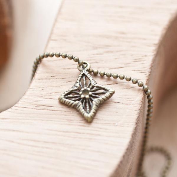 Breloque Étoile filigrane décorée Bronze vieilli x 8 - Photo n°1