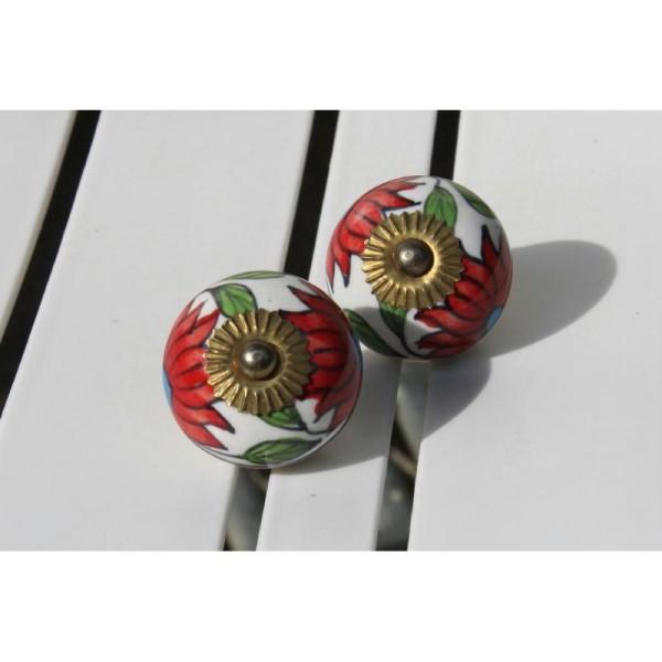 Bouton rond de porte ou tiroir, fleuri rouge,  de 35 mm de diamètre. - Photo n°1