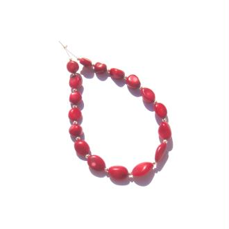 Corail teinté : 17 Perles irrégulières 7/13 MM de largeur environ