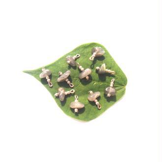 Labradorite : 10 MINI breloques 14 MM de hauteur x 9 MM ( lot2)