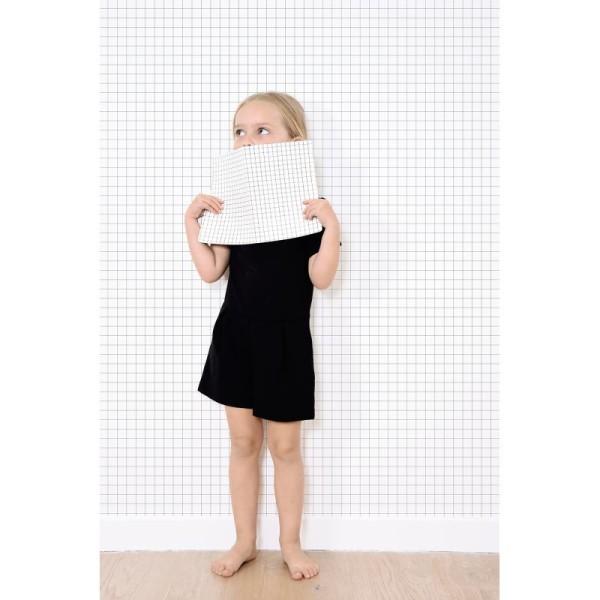 Papier peint intissé motif carreaux noir sur blanc, 2cm - Photo n°2