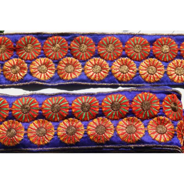 Morceau de galon ethnique fond bleu roi, ruban de 8 cm de large pour 1.5m. - Photo n°1