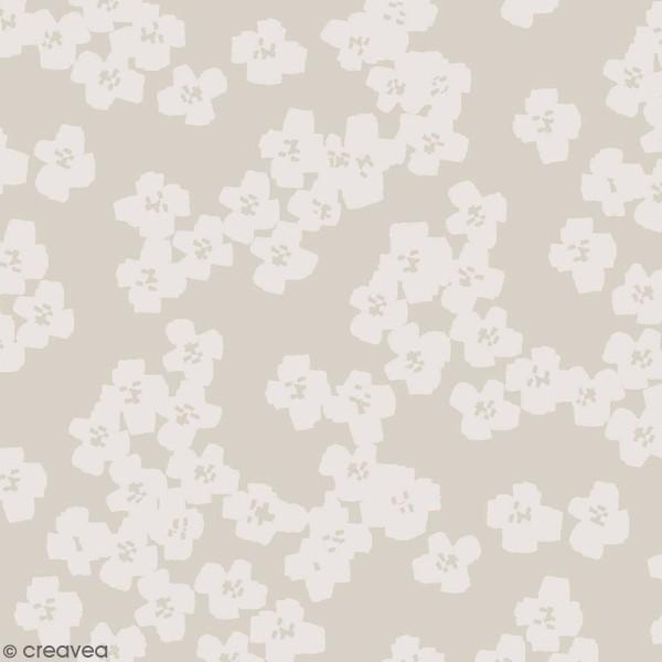 Coupon de Toile coton Made by me - Fleurs gris clair - Fond gris - 50 x 140 cm - Photo n°1
