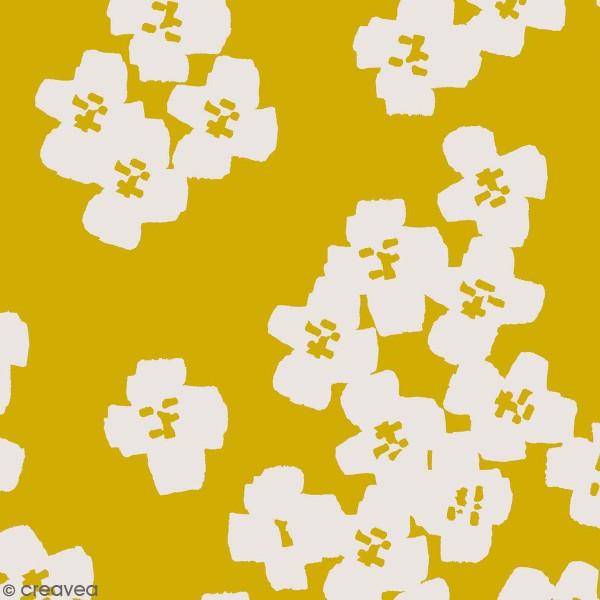 Coupon de Toile cirée Made by me - Fleurs gris clair - Fond moutarde - 50 x 140 cm - Photo n°1