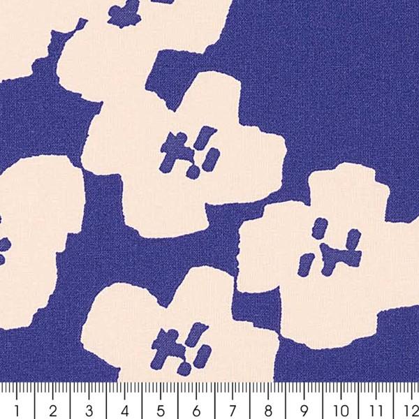Coupon de Toile coton Made by me - Fleurs roses - Fond bleu marine - 50 x 140 cm - Photo n°2