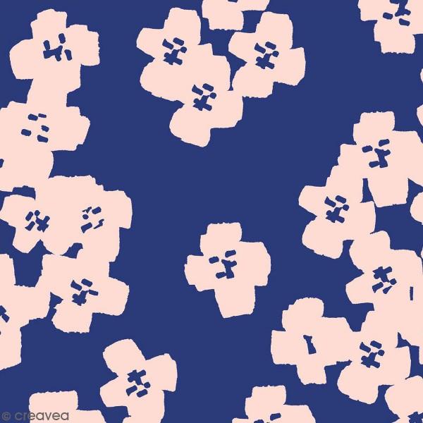 Coupon de Toile coton Made by me - Fleurs roses - Fond bleu marine - 50 x 140 cm - Photo n°1