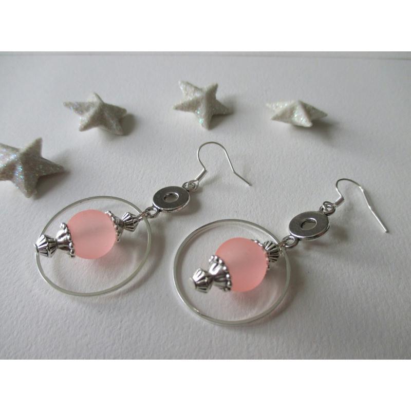 kit boucles d 39 oreilles perle rose et anneaux argent kit boucles d 39 oreilles creavea. Black Bedroom Furniture Sets. Home Design Ideas
