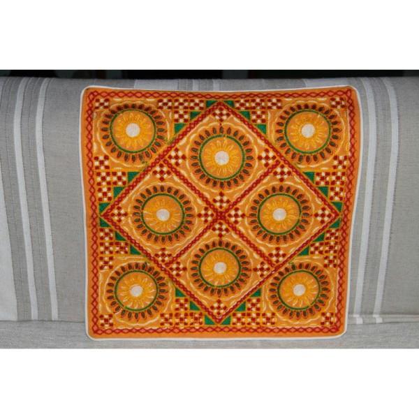 Housses de coussin carré jaunes, brodée multicolore de 40 cm x 40 cm - Lot de 2 - Photo n°2