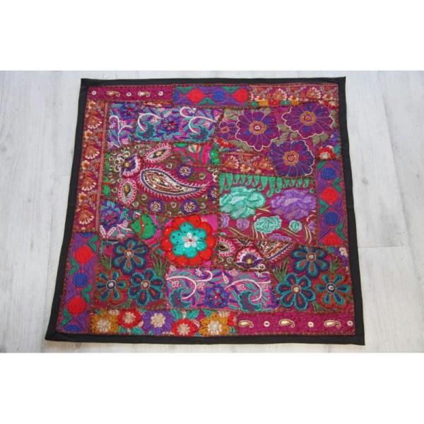 Housses de coussin carré, brodée multicolore de 60 cm x 60 cm - Photo n°1