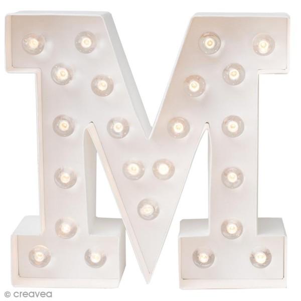 Lettre lumineuse à Led M - 20.3 x 20.3 x 5.1 - Photo n°1