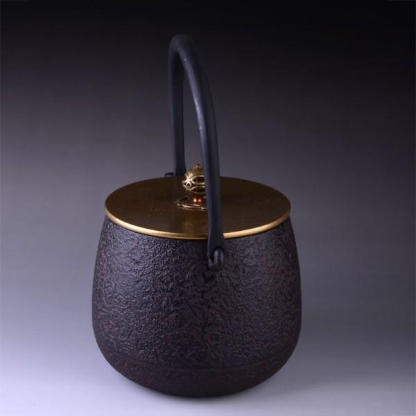 Théière en fonte noire japonaise couvercle cuivré 1,4 litre - Photo n°1