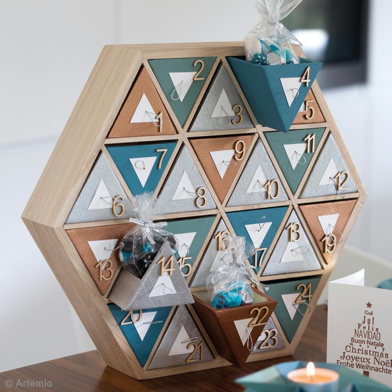 Calendrier de l 39 avent en bois d corer hexagone 36 5 - Calendrier de l avent en bois a decorer ...