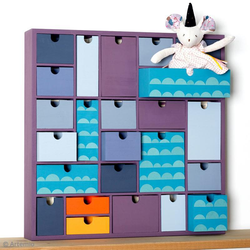 calendrier de l 39 avent en bois d corer g om trique 40 x 40 cm calendrier de l 39 avent creavea. Black Bedroom Furniture Sets. Home Design Ideas