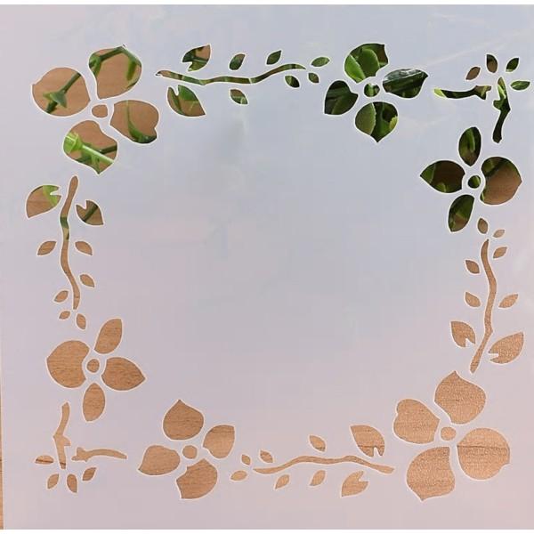 POCHOIR PLASTIQUE 13*13cm : fleur (01) - Photo n°1