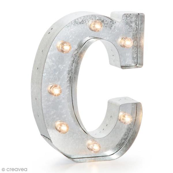 Lettre lumineuse en métal vintage C - 25 x 18,5 x 4,5 cm - Photo n°1