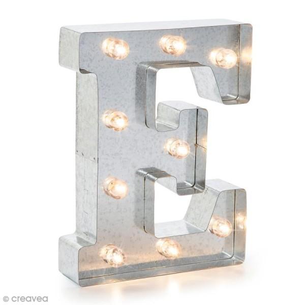 Lettre lumineuse en métal vintage E - 25 cm - Photo n°1