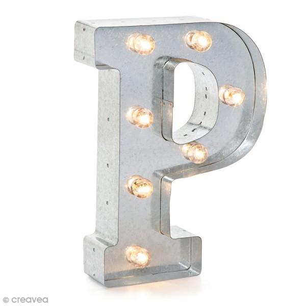 Lettre lumineuse en métal vintage P - 25 x 18,5 x 4,5 cm - Photo n°1