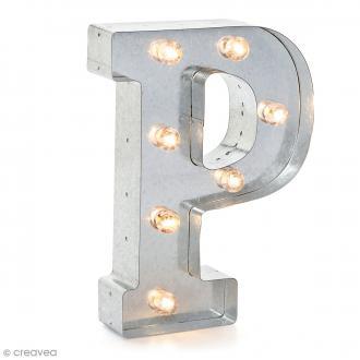 Lettre lumineuse en métal vintage P - 25 x 18,5 x 4,5 cm