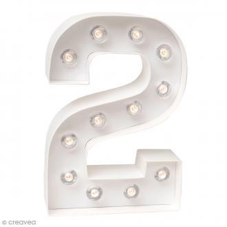 Chiffre lumineux à Led 2 - 20,3 x 13,7 x 5 cm