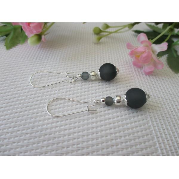 Kit boucles d'oreilles perle grise givrée et apprêts argentés - Photo n°1