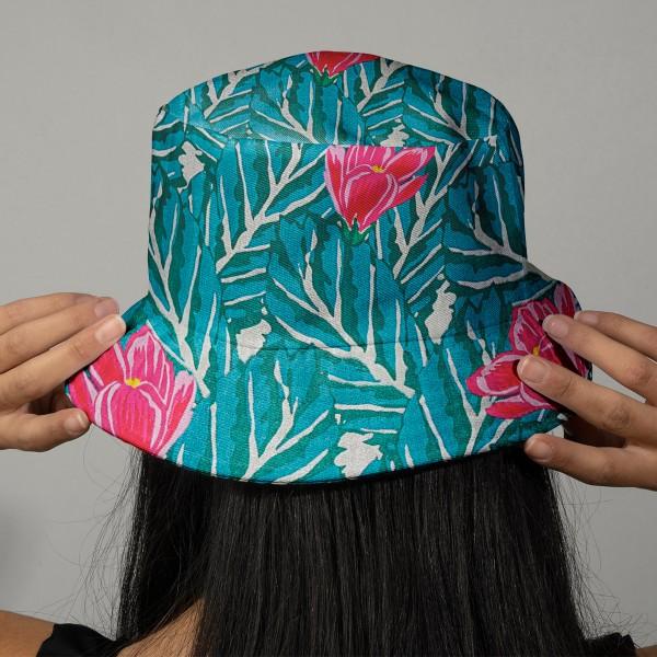 Tissu Coton léger à la coupe - Magnolias sur fond vert - Détails Métallisés - Par 10 cm - Photo n°2