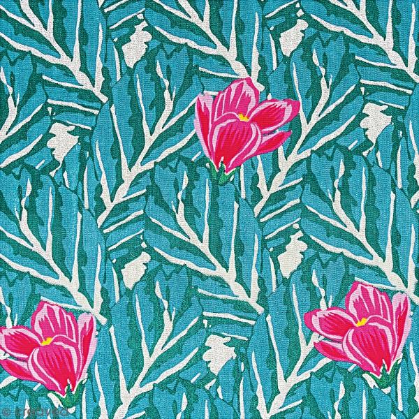 Tissu Coton léger à la coupe - Magnolias sur fond vert - Détails Métallisés - Par 10 cm - Photo n°1