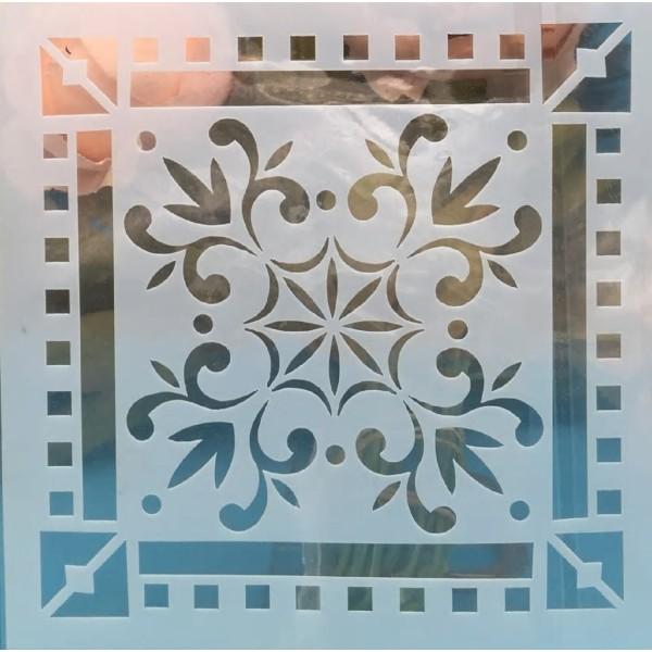 POCHOIR PLASTIQUE 15*15cm : motif antique (25) - Photo n°1