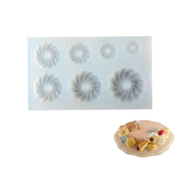 7 Meringue Cookie Bundt Cake, Maison de Poupée Fée de Jardin Miniature d'Aliments Sucrés, 3D Silicon - Photo n°1