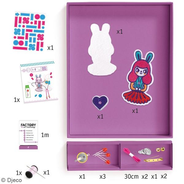 Kit créatif Djeco - Art & Technology - Broche lumineuse Bunny girl - Photo n°2