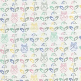 Tissu Mme Hibou au jardin - Multicolore - Coton enduit - Par 10 cm (sur mesure)