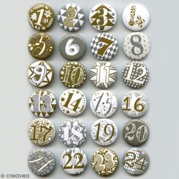 Pins badge Calendrier de l'Avent - Blanc et Doré- 2,5 cm - 24 pcs - Photo n°3