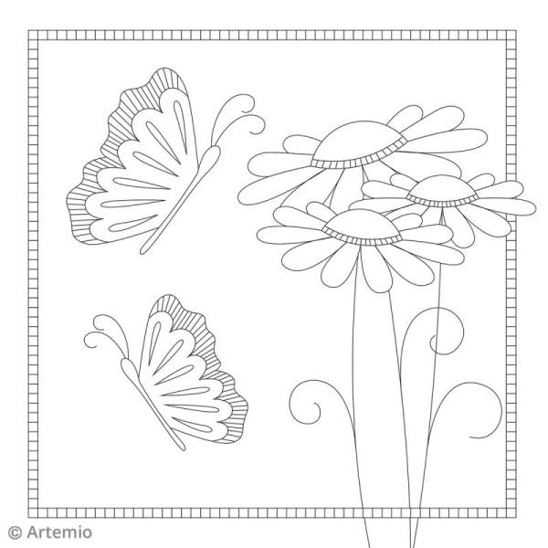 Cahier De Coloriage Printemps 30 5 X 30 5 Cm 20 Feuilles Cahier De Coloriage Creavea