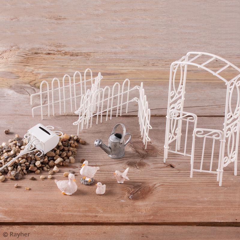 D coration de jardin miniatures cl ture de jardin en fer for Deco jardin en fer