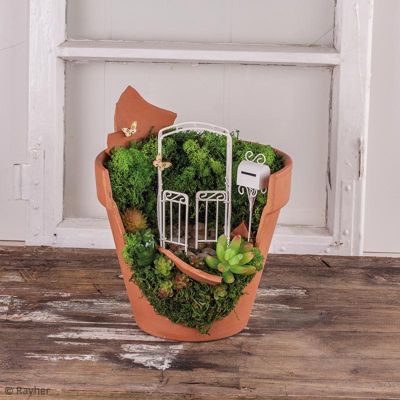 D coration de jardin miniature pergola avec portes en for Decoration jardin en metal