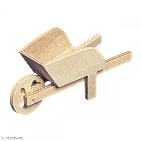 D coration de jardin miniature brouette en bois for Decoration jardin en bois