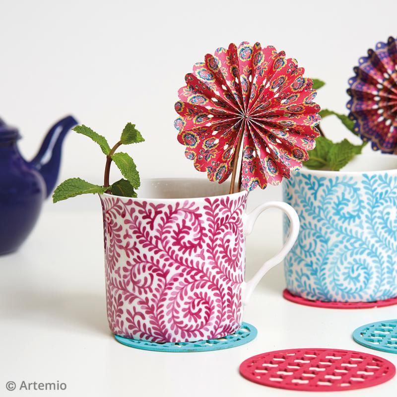 Eventails en papier Flower Power - 6 pcs - Photo n°2