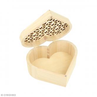 Boîte coeur ajouré en bois - 14,5 x 6,8 cm