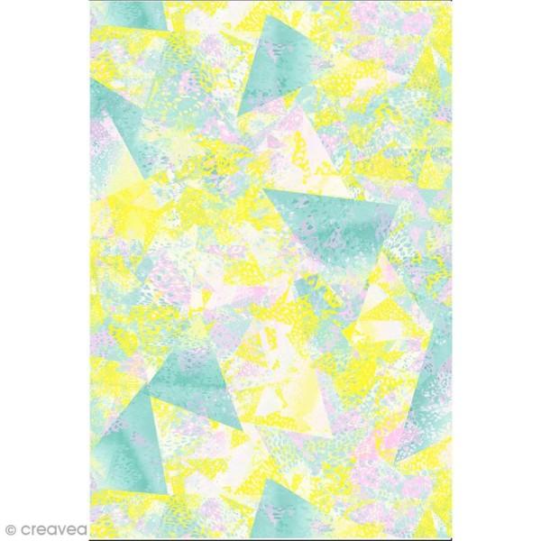 Décopatch N° 748 - Motif Triangles abstraits sur fond vert jaune et rose - 1 feuille - Photo n°1