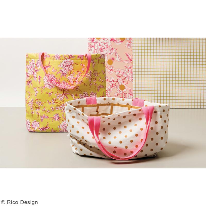 Tissu Rico - Toile de Jouy - Fleurs de Cerisier Roses - fond Poudré - Par 10 cm (sur mesure) - Photo n°5