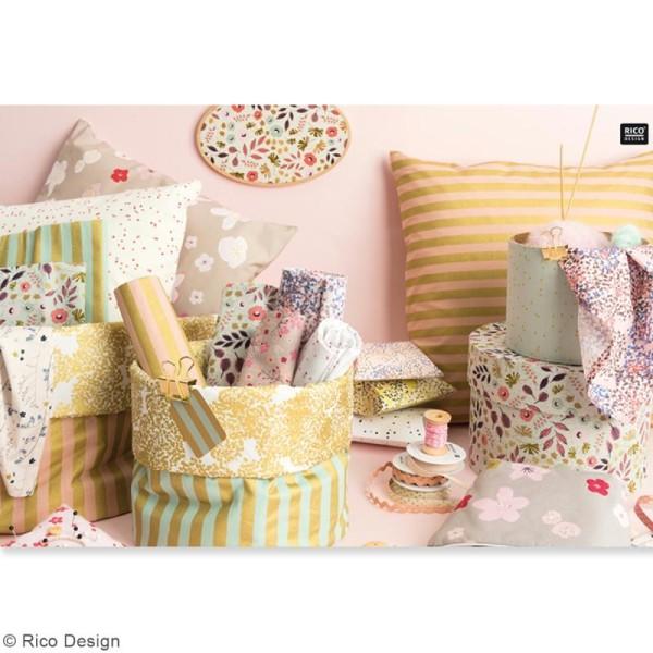 Tissu Rico - Toile de Jouy - Fleurs Sauvages - fond Gris et Doré - Par 10 cm (sur mesure) - Photo n°4
