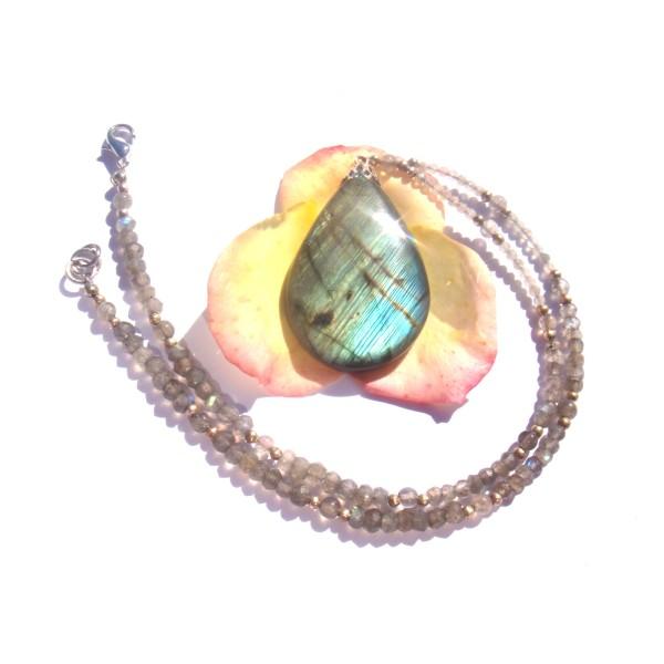 Collier pendentif et tour de cou en Labradorite multicolore 40 CM de tour de cou - Photo n°2
