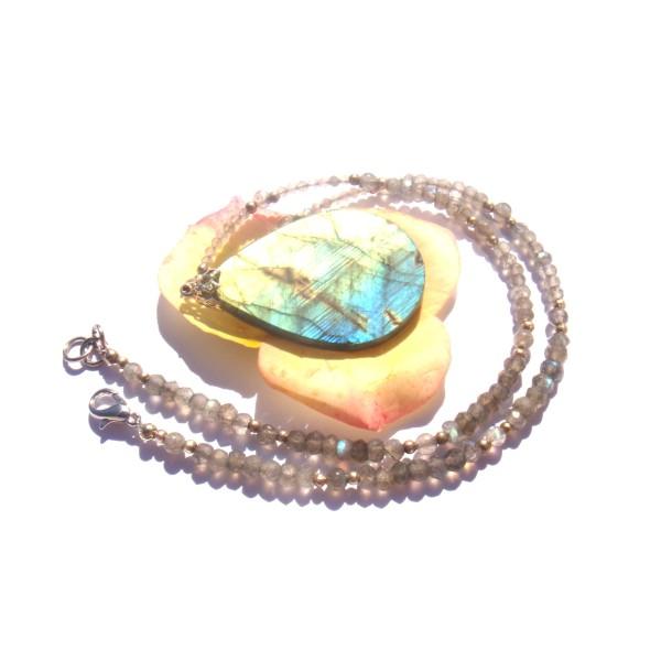 Collier pendentif et tour de cou en Labradorite multicolore 40 CM de tour de cou - Photo n°4