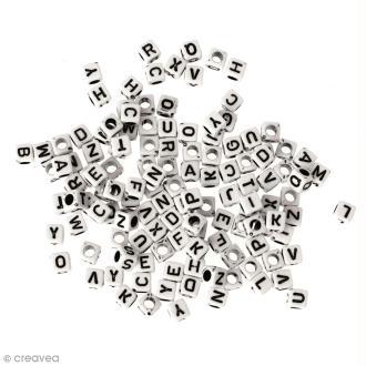 Perles Alphabet noir et blanc carrées 6 mm - 200 pcs environ