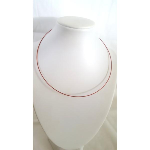 1 Collier tour de cou rigide rouge foncé - Photo n°1