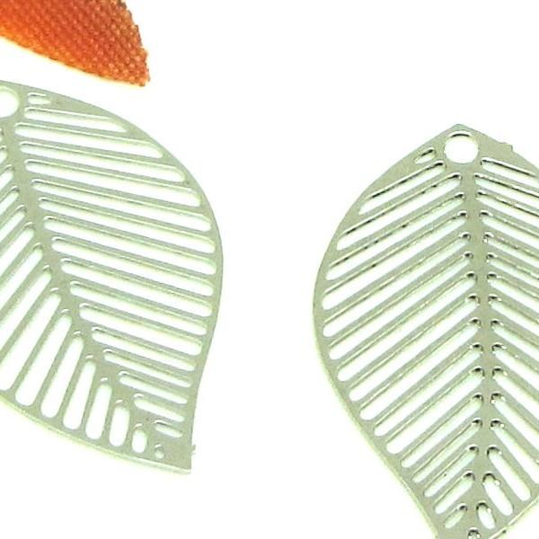 4 Breloques Filigranes Feuilles striées,  Feuilles Argentées Rhodium, 22*13 mm - Photo n°1
