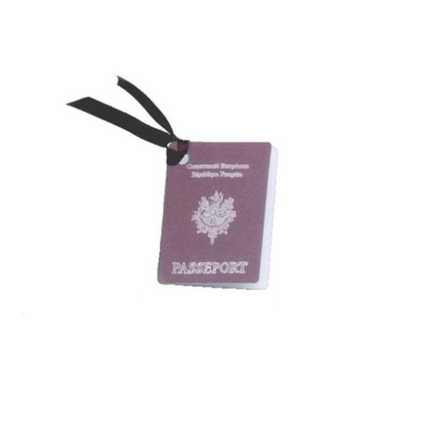 20 Etiquettes porte nom Passeport - Photo n°1