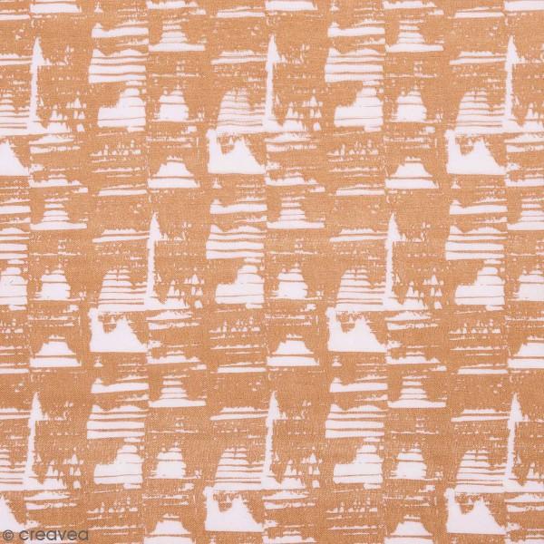 Tissu Rico - Double gaze de coton - Motifs camel sur fond rose clair - Par 10 cm (sur mesure) - Photo n°1