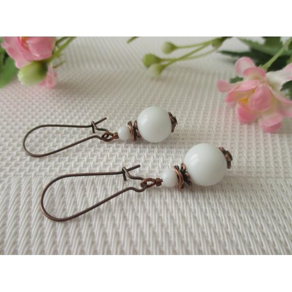 Kit de boucles d'oreilles apprêts cuivre et perles en verre blanche - Photo n°2